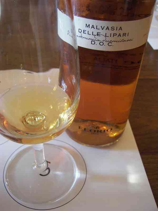 Malvisia delle Lipari wine Sicily Aeolian islands