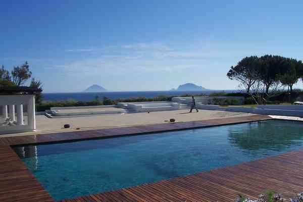 Capofaro wine resort, Salina