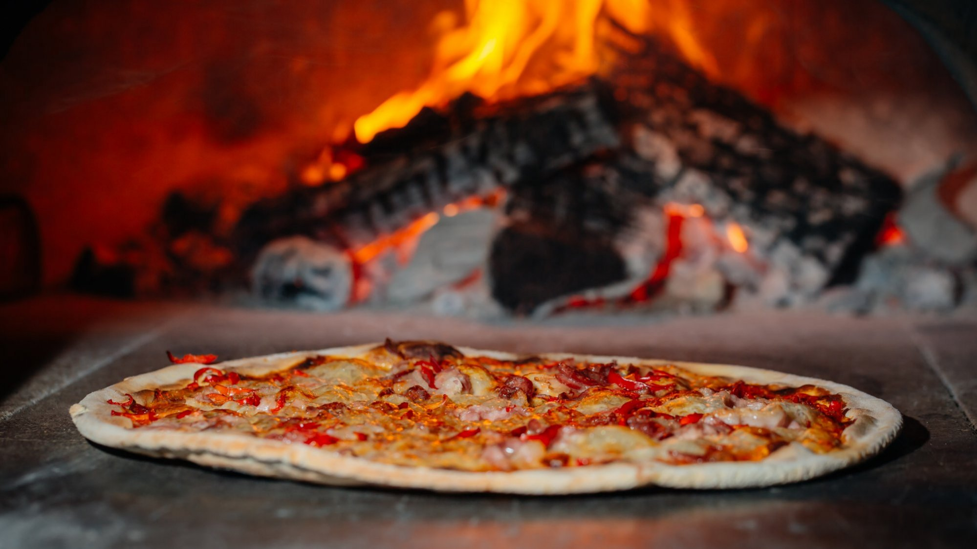 the ten best pizzerias in naples italy possibly the best pizza in the world. Black Bedroom Furniture Sets. Home Design Ideas