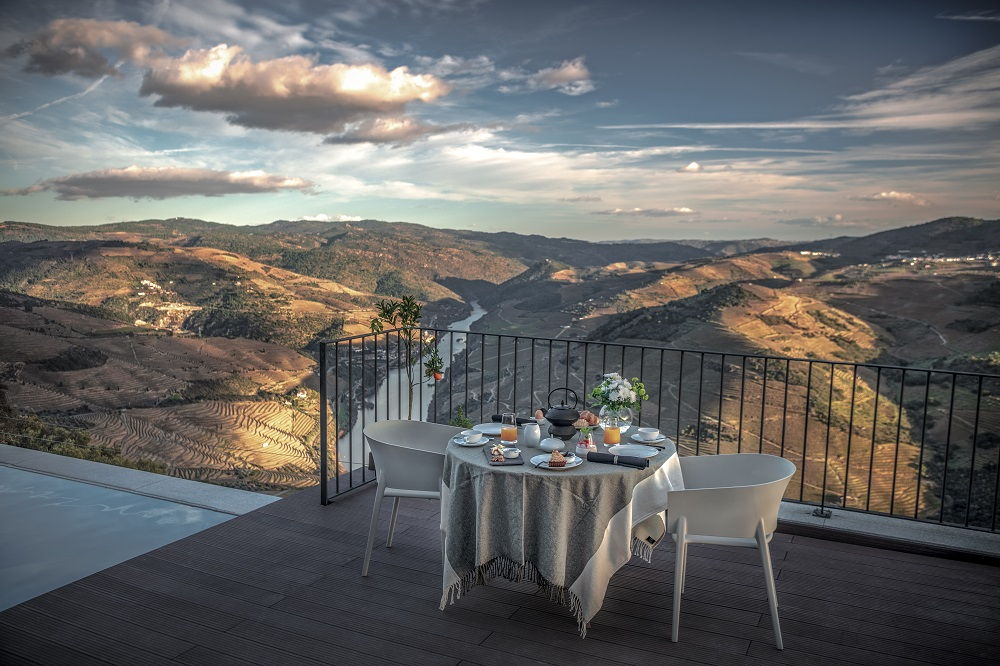 private-villa-overlooking-the-douro-valley