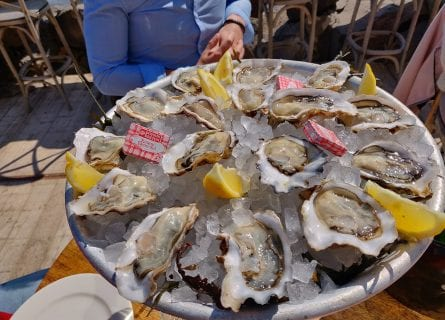 Delicious Bouzigues oysters in Marseillan