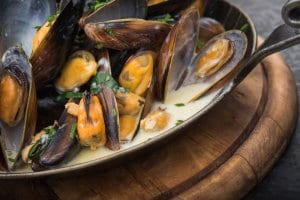 Mussels with cream, white wine