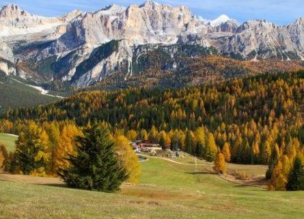 "Ütia Malga Saraghes Alpine ""Hut"""