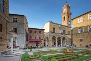 pienza - piazza-pio-ii.jpg