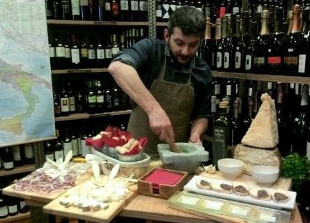 pesto-making-demonstration