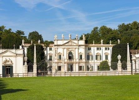 Villa Mosconi Bertani Winery
