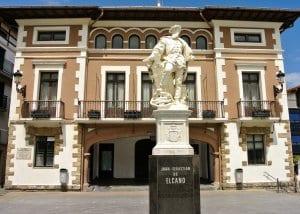 Juan Sebastian Elcano statue